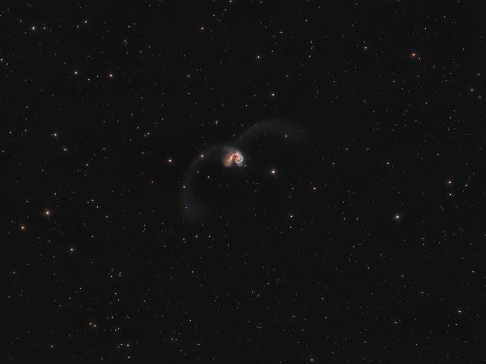 Galassia Antenne fotografata con Sky-Watcher newton 200/1000 e Canon 600D